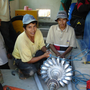 BOLIVIA , LA PAZ:Programma Eco-tecnoLogico - Energia rinnovabile e sviluppo sostenibile